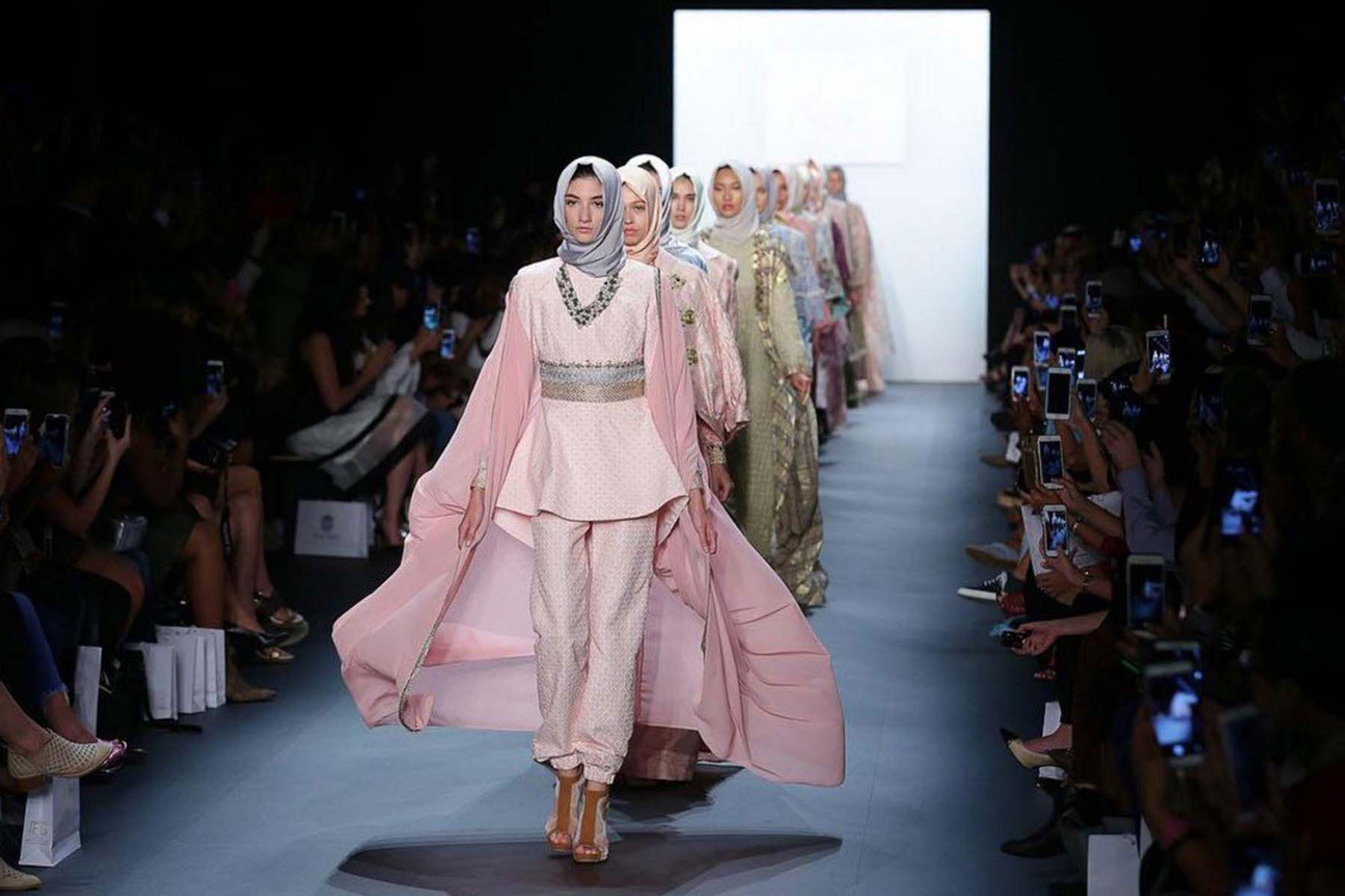 Muslim Fashion Show To Explore The Diversity Of Islamic Style Wisconsin Muslim Journal