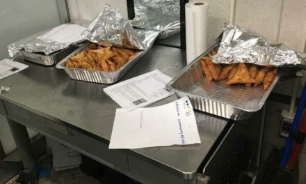 Muslim community donates food to federal airport staff working without pay