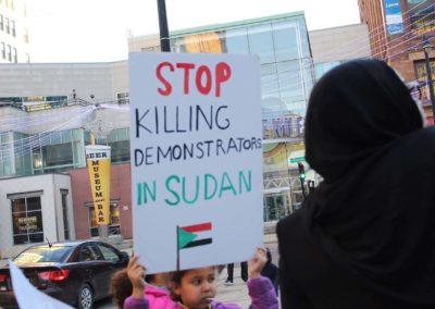 010419_SudanProtest_011
