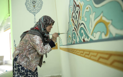 Woman completes late husband's unfinished Islamic Calligraphy in Mosque